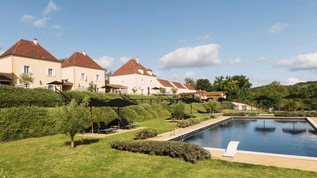 rent villa Hotel Chateau les Merles Dordogne