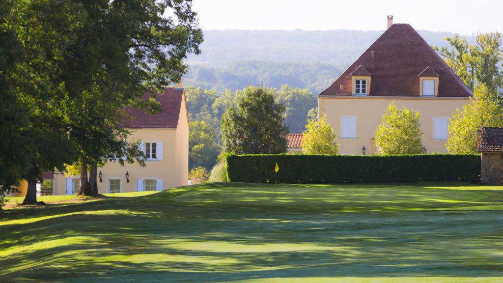 view from golf Chateau les Merles Dordogne
