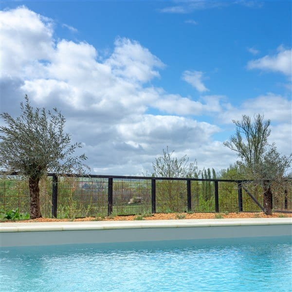 pool villa 7 chateau les merles