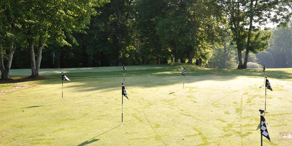 golf pitch and putt hotel chateau les merles