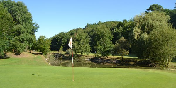 lake water hazard golf les merles